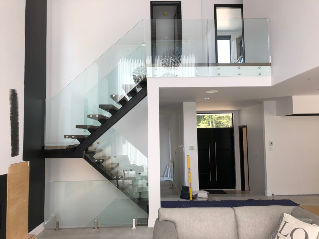 Glass railings and guardrails
