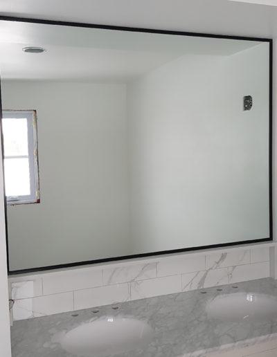 Miroir de Salle de Bain avec Contour Noir - Boisbriand