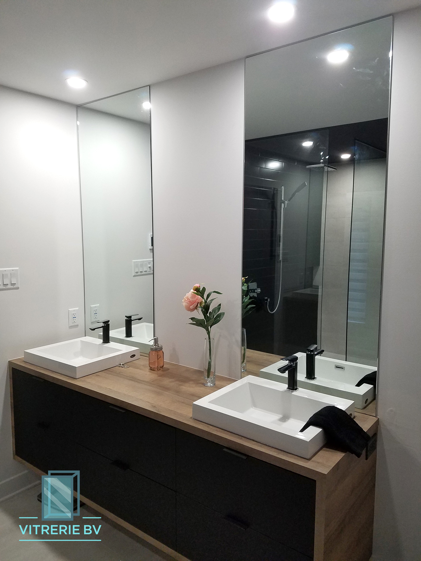 Superb Custom Mirrors And Bathroom Mirrors In Quebec Vitrerie Bv Download Free Architecture Designs Sospemadebymaigaardcom