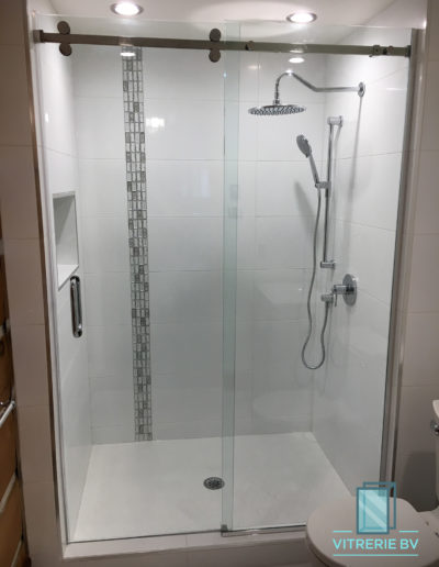 Douche Coulissante - Chomedey